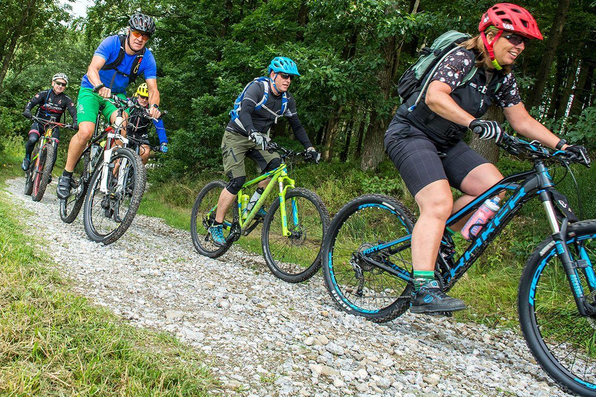 gefuehrte-mountainbike-touren-bikeschule-sauerland-3