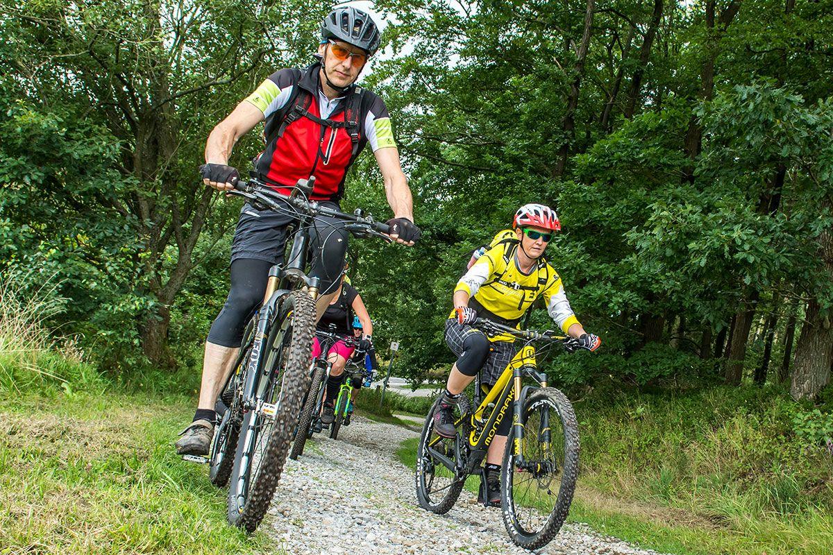 gefuehrte-mountainbike-touren-bikeschule-sauerland-4