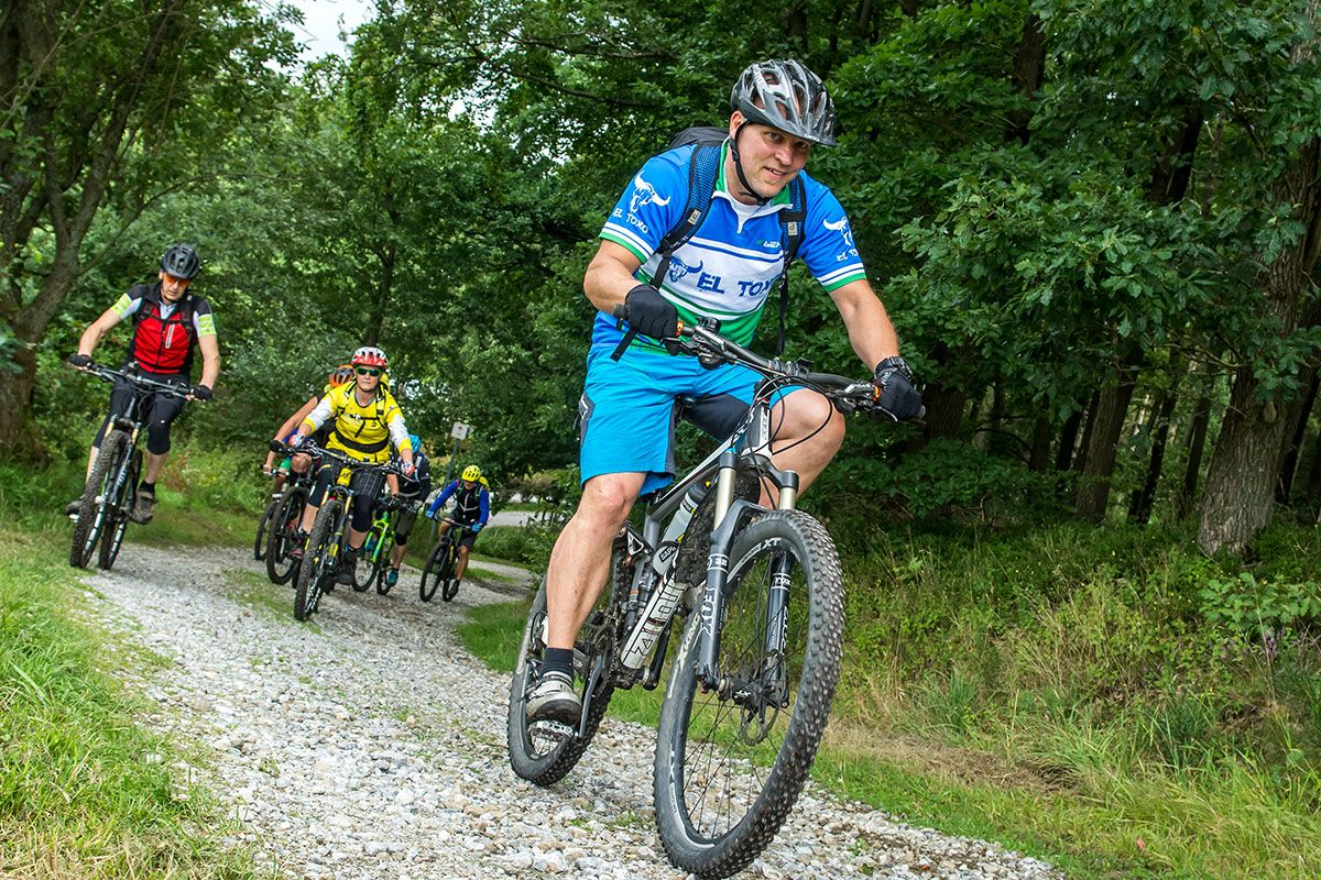 gefuehrte-mountainbike-touren-bikeschule-sauerland-5
