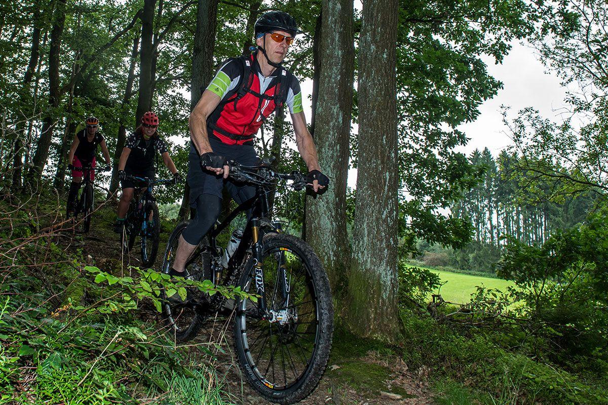 gefuehrte-mountainbike-touren-bikeschule-sauerland-9