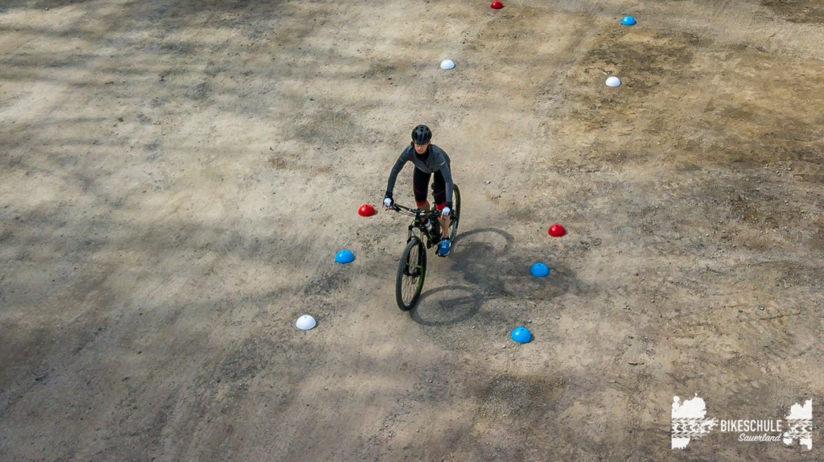 bikecamp-ladies-only-042018-drone-10