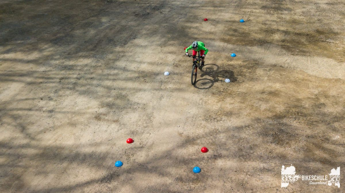 bikecamp-ladies-only-042018-drone-11