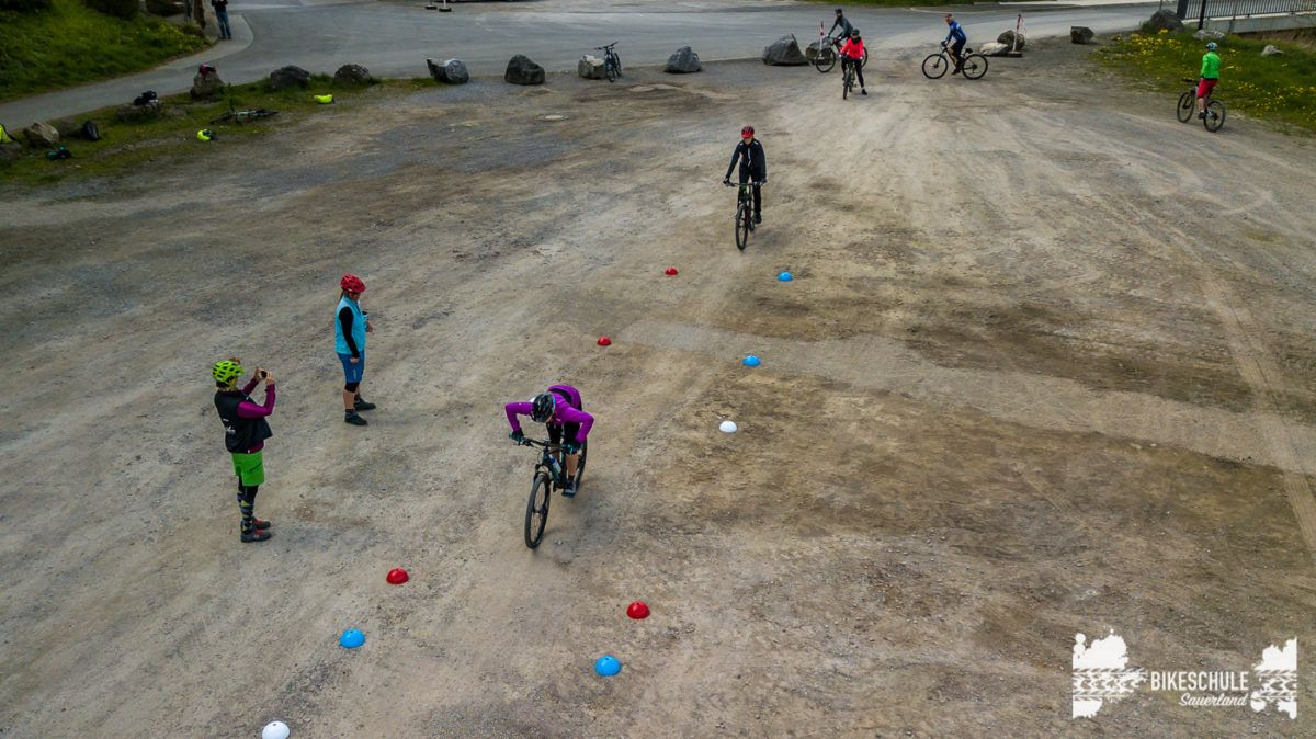bikecamp-ladies-only-042018-drone-14