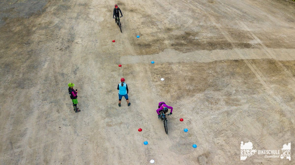bikecamp-ladies-only-042018-drone-17