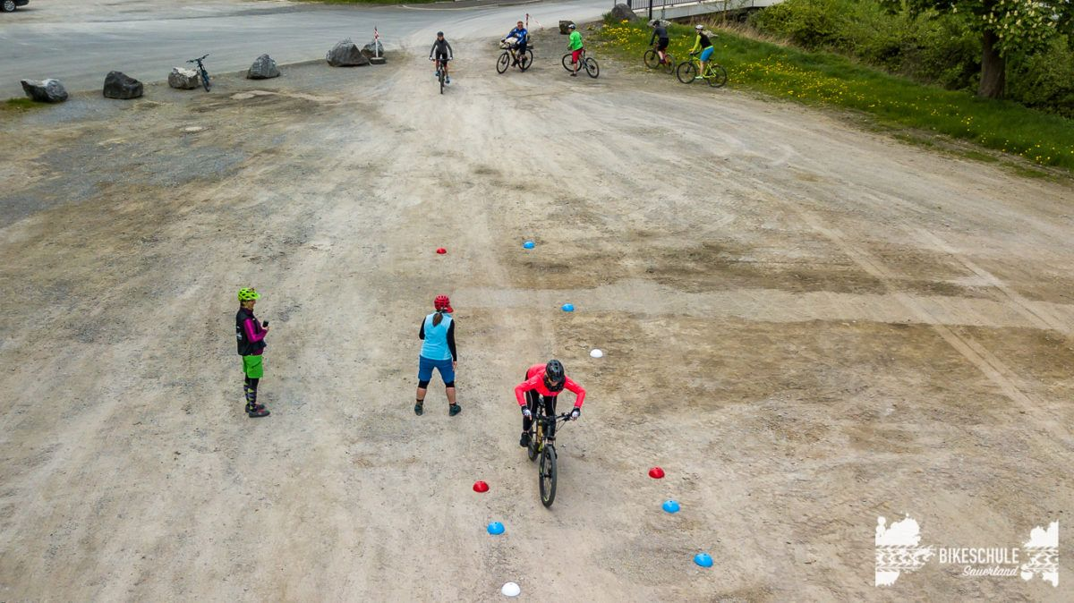 bikecamp-ladies-only-042018-drone-18
