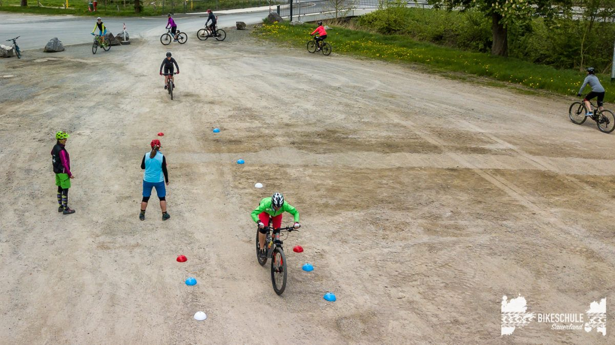 bikecamp-ladies-only-042018-drone-19