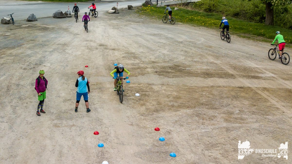 bikecamp-ladies-only-042018-drone-20