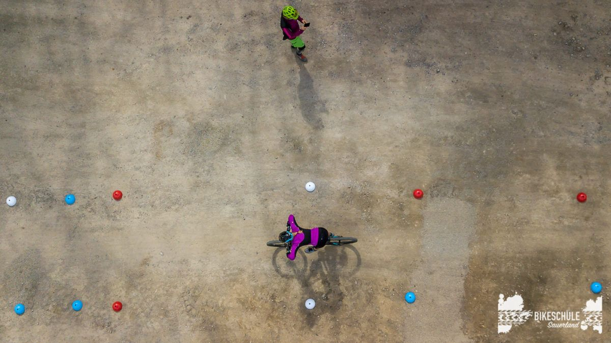 bikecamp-ladies-only-042018-drone-4