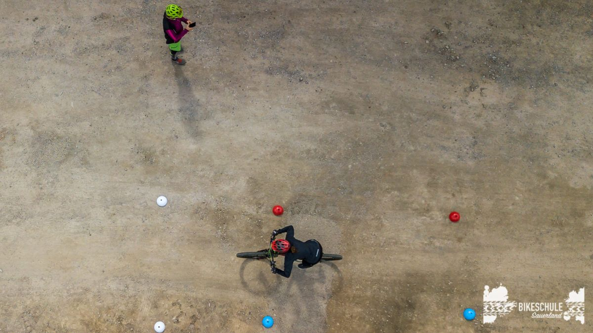 bikecamp-ladies-only-042018-drone-5