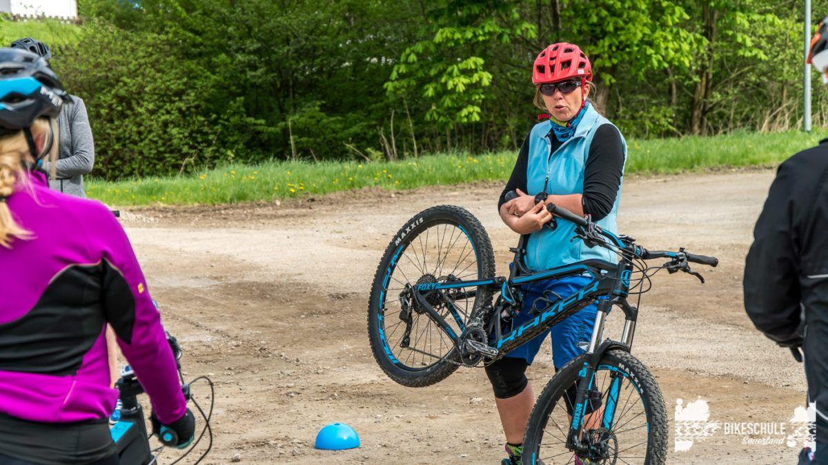 bikecamp-ladies-only-bikeschule-sauerland-fahrtechnik-042018-1