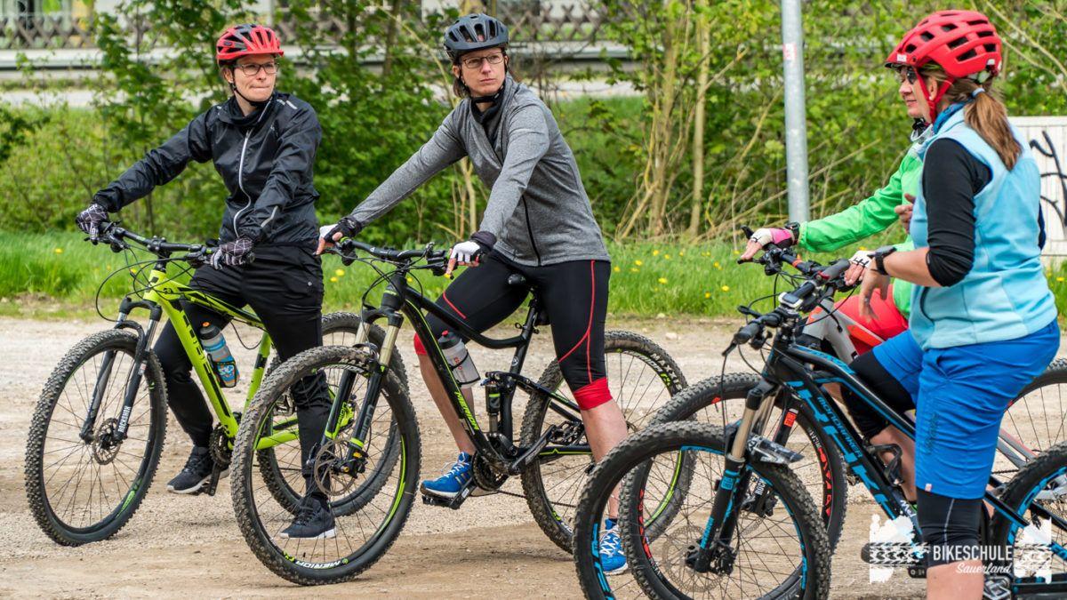 bikecamp-ladies-only-bikeschule-sauerland-fahrtechnik-042018-10