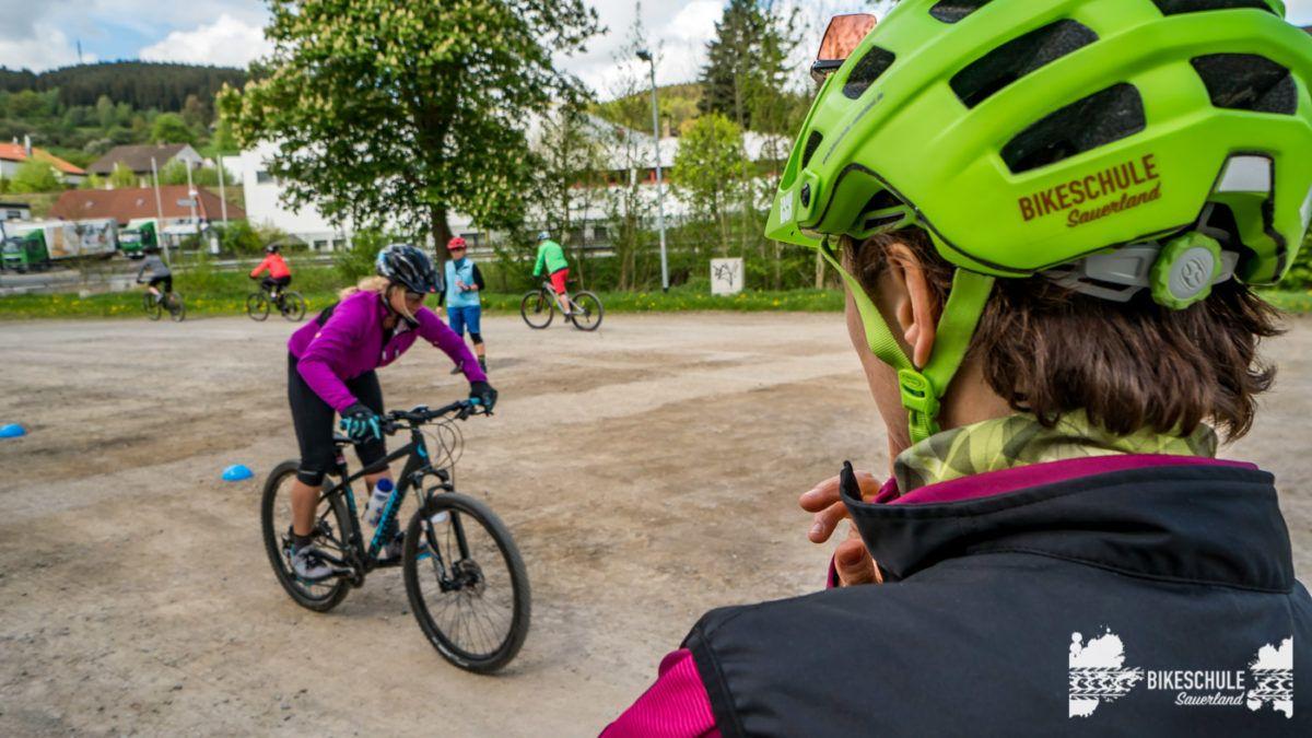 bikecamp-ladies-only-bikeschule-sauerland-fahrtechnik-042018-102
