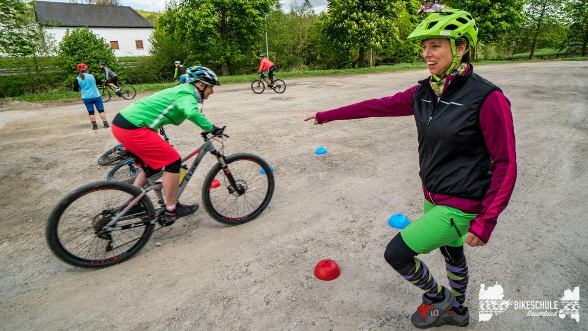 bikecamp-ladies-only-bikeschule-sauerland-fahrtechnik-042018-103