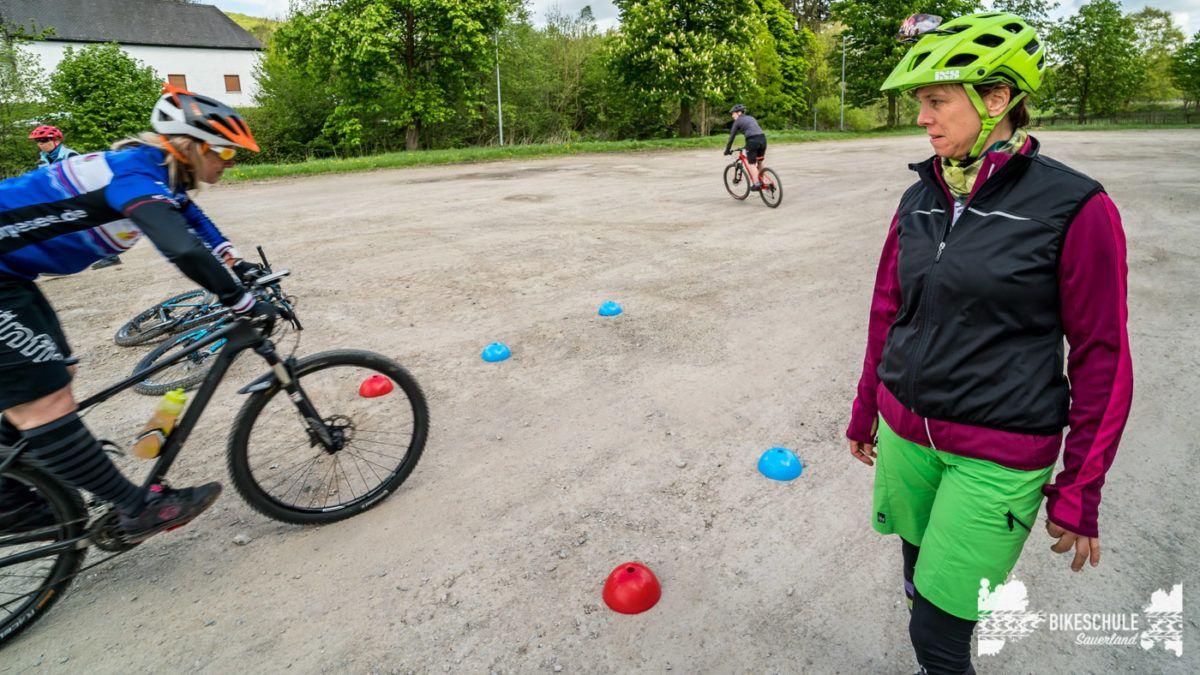 bikecamp-ladies-only-bikeschule-sauerland-fahrtechnik-042018-104