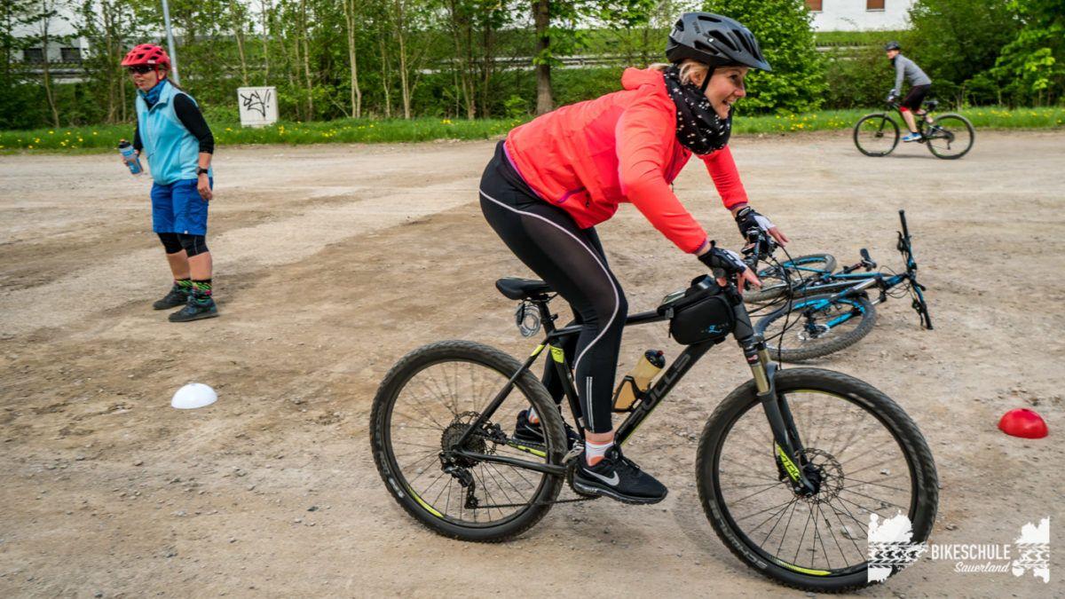 bikecamp-ladies-only-bikeschule-sauerland-fahrtechnik-042018-105