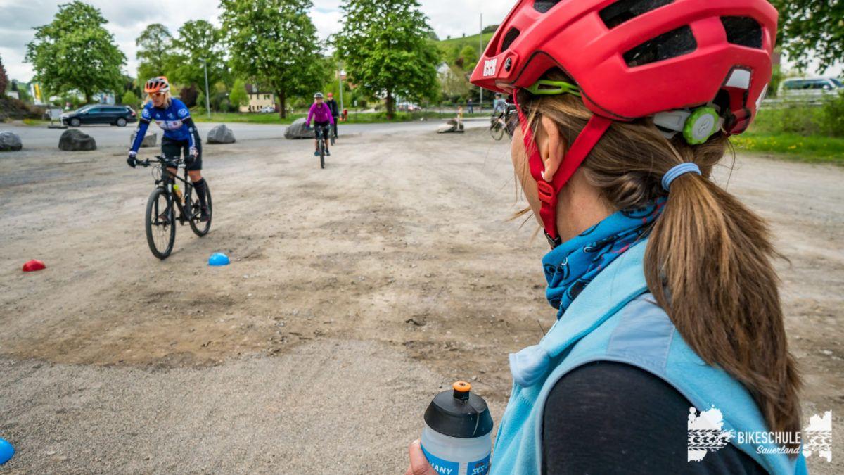 bikecamp-ladies-only-bikeschule-sauerland-fahrtechnik-042018-106