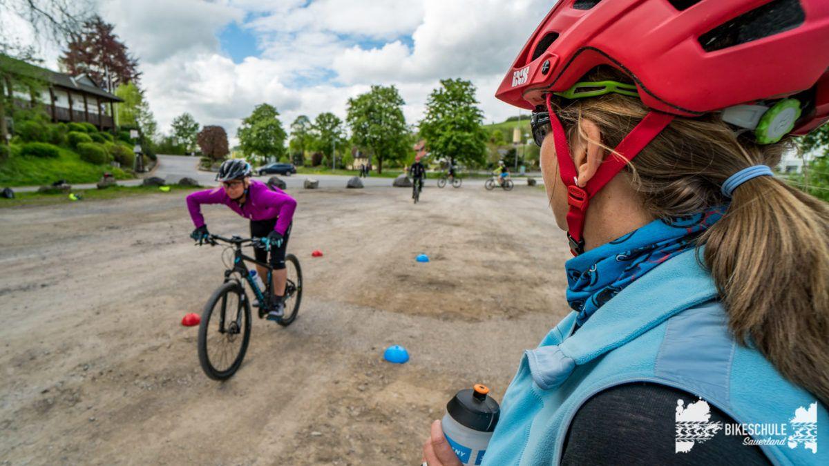 bikecamp-ladies-only-bikeschule-sauerland-fahrtechnik-042018-107