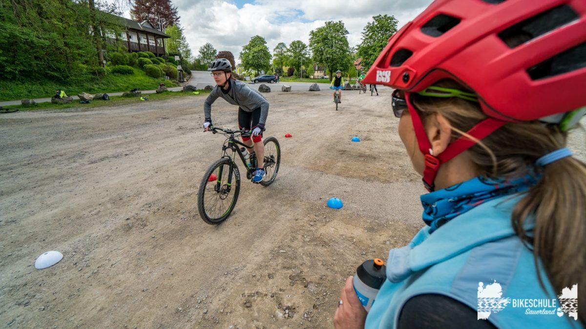 bikecamp-ladies-only-bikeschule-sauerland-fahrtechnik-042018-108