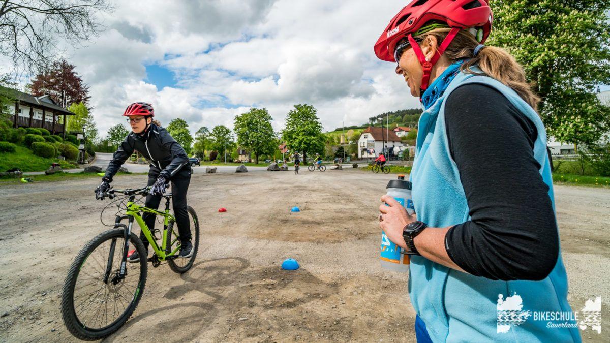 bikecamp-ladies-only-bikeschule-sauerland-fahrtechnik-042018-109