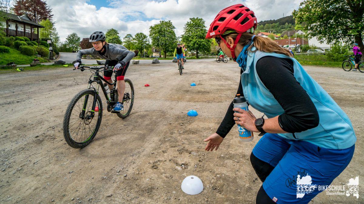 bikecamp-ladies-only-bikeschule-sauerland-fahrtechnik-042018-110