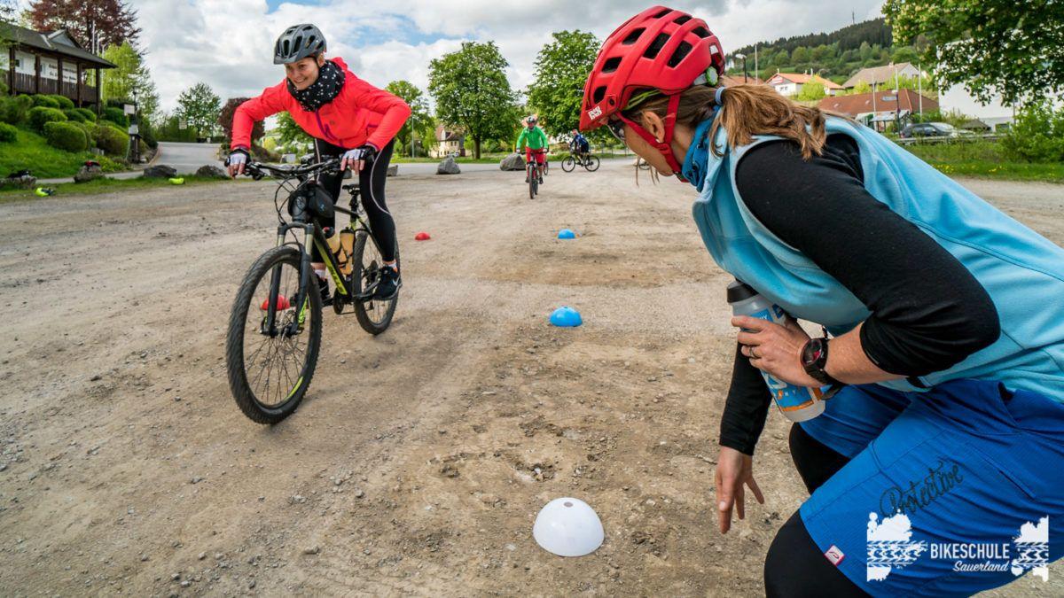 bikecamp-ladies-only-bikeschule-sauerland-fahrtechnik-042018-111