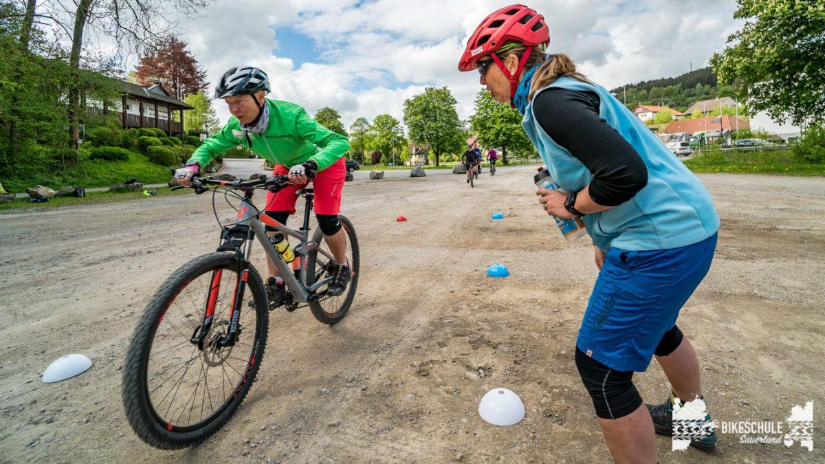 bikecamp-ladies-only-bikeschule-sauerland-fahrtechnik-042018-112