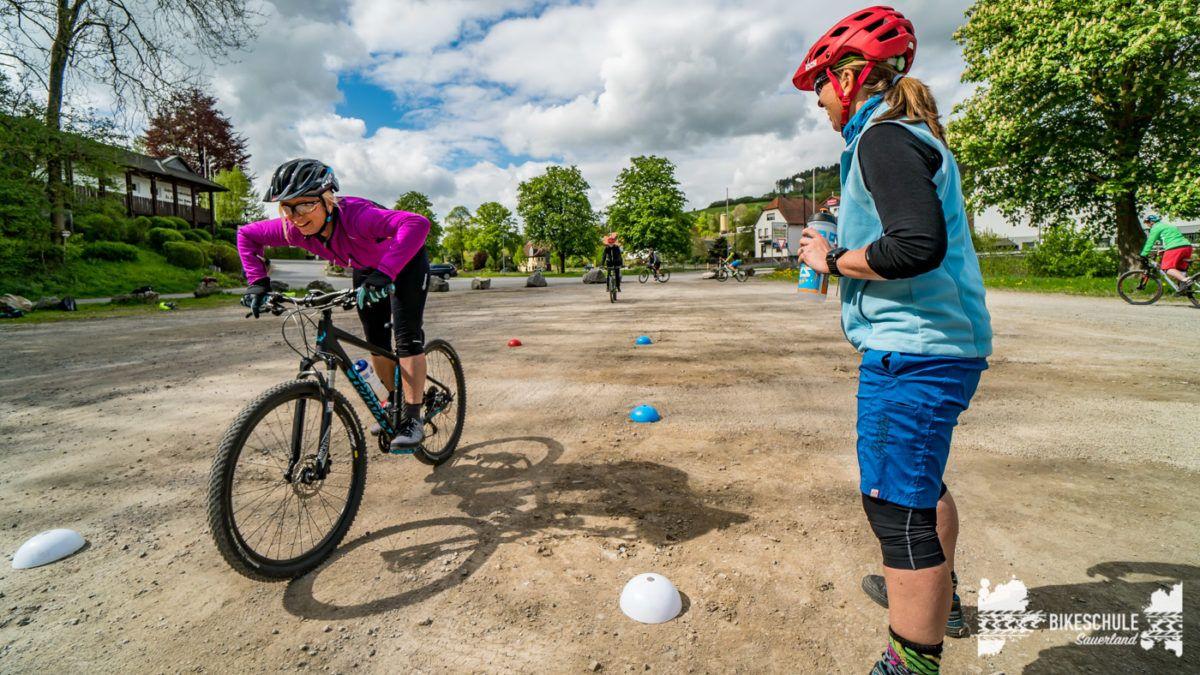 bikecamp-ladies-only-bikeschule-sauerland-fahrtechnik-042018-114