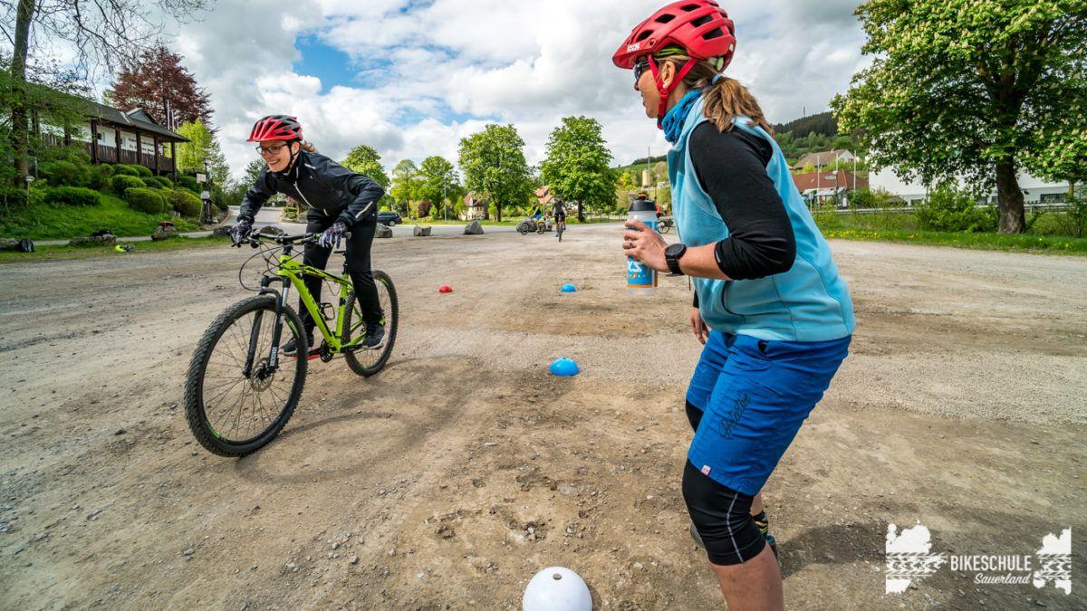 bikecamp-ladies-only-bikeschule-sauerland-fahrtechnik-042018-115