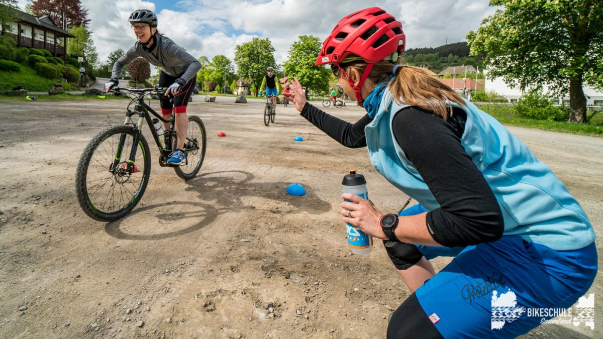 bikecamp-ladies-only-bikeschule-sauerland-fahrtechnik-042018-116