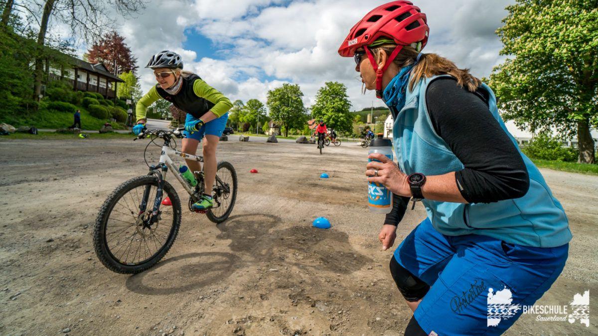 bikecamp-ladies-only-bikeschule-sauerland-fahrtechnik-042018-117