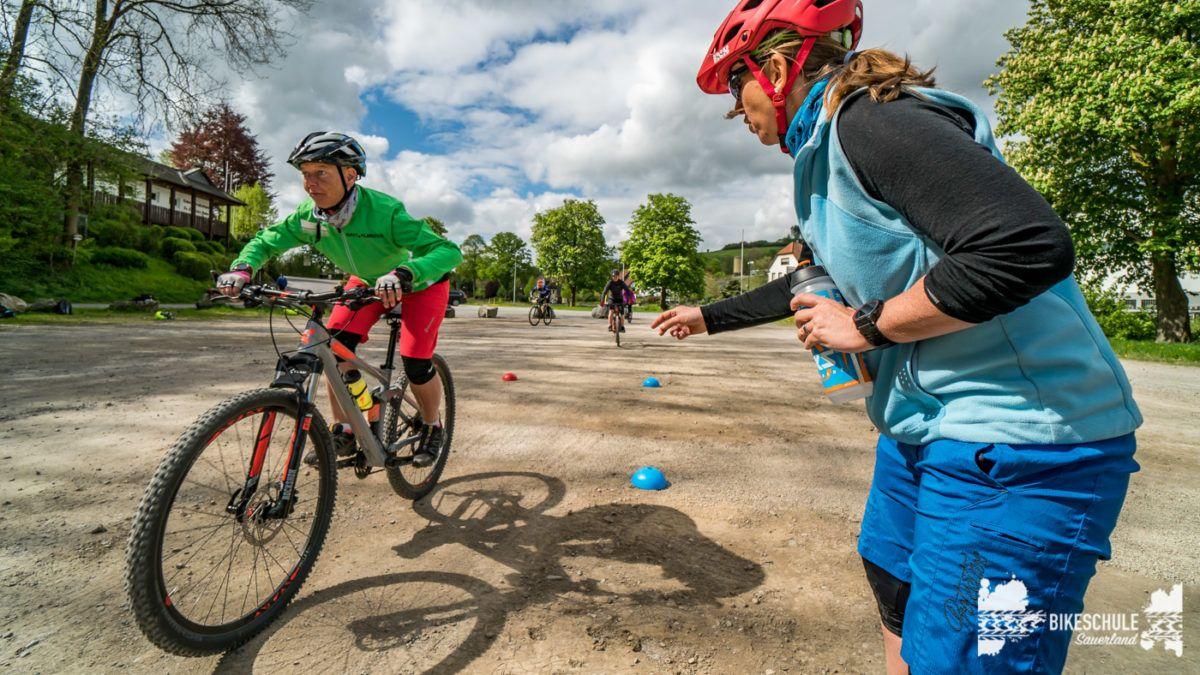bikecamp-ladies-only-bikeschule-sauerland-fahrtechnik-042018-119