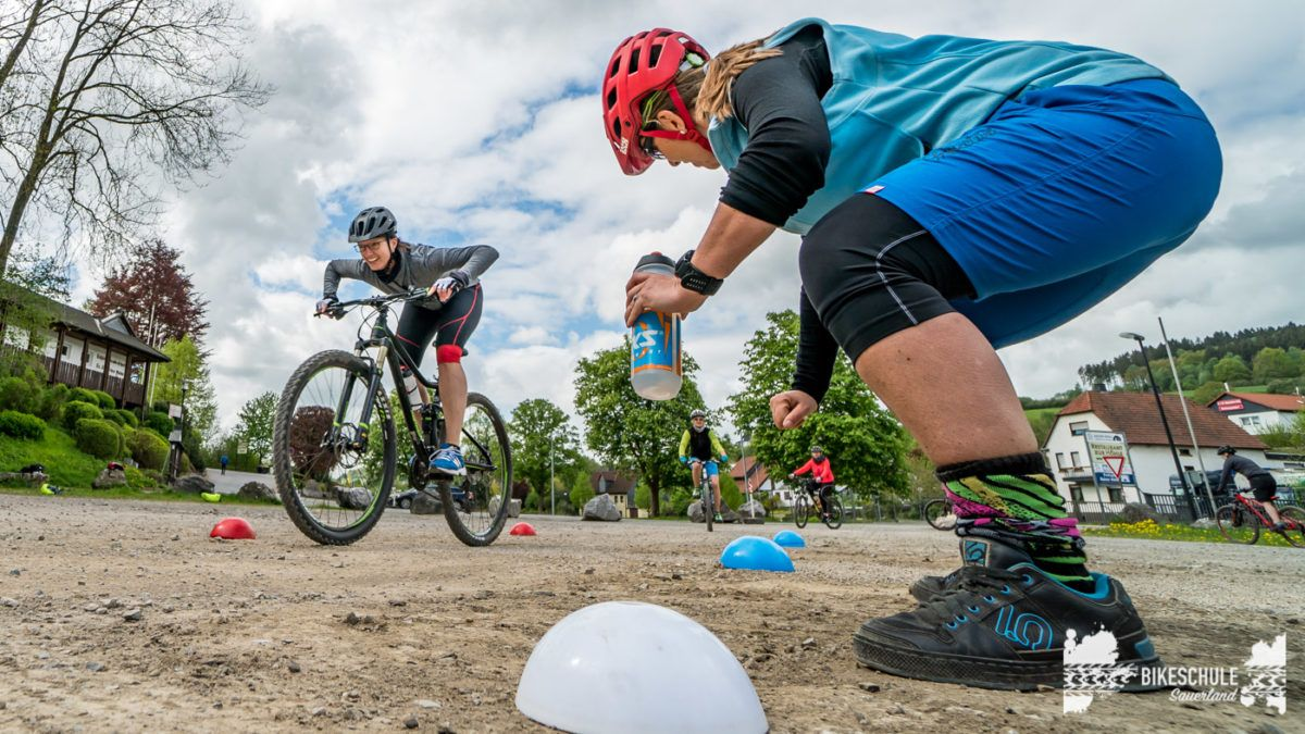 bikecamp-ladies-only-bikeschule-sauerland-fahrtechnik-042018-121