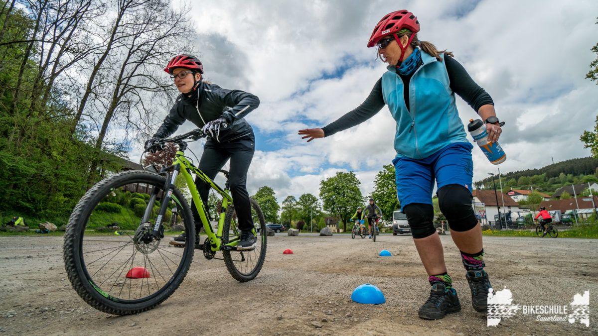 bikecamp-ladies-only-bikeschule-sauerland-fahrtechnik-042018-124