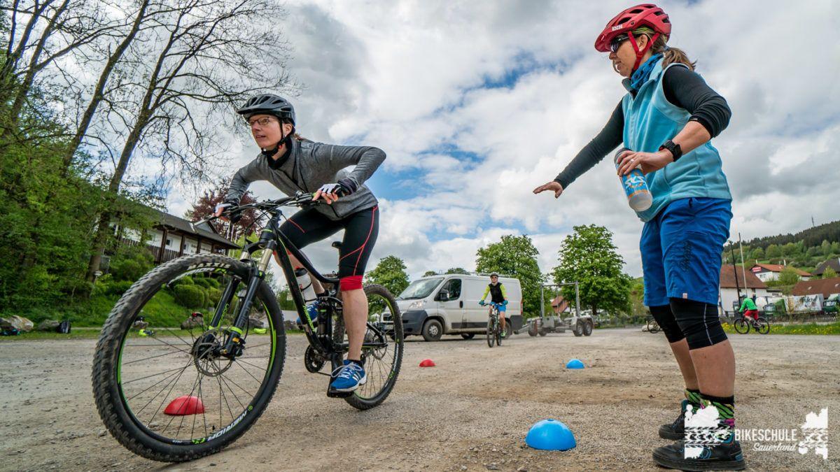 bikecamp-ladies-only-bikeschule-sauerland-fahrtechnik-042018-125