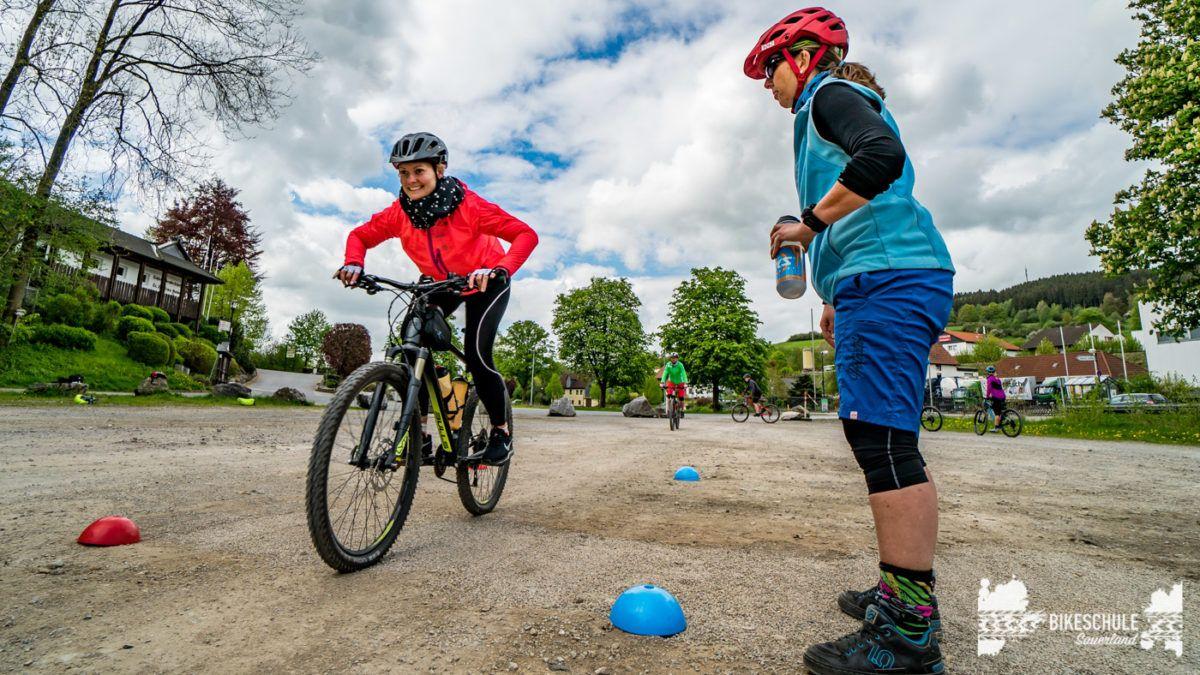 bikecamp-ladies-only-bikeschule-sauerland-fahrtechnik-042018-126