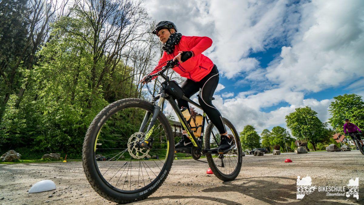 bikecamp-ladies-only-bikeschule-sauerland-fahrtechnik-042018-129