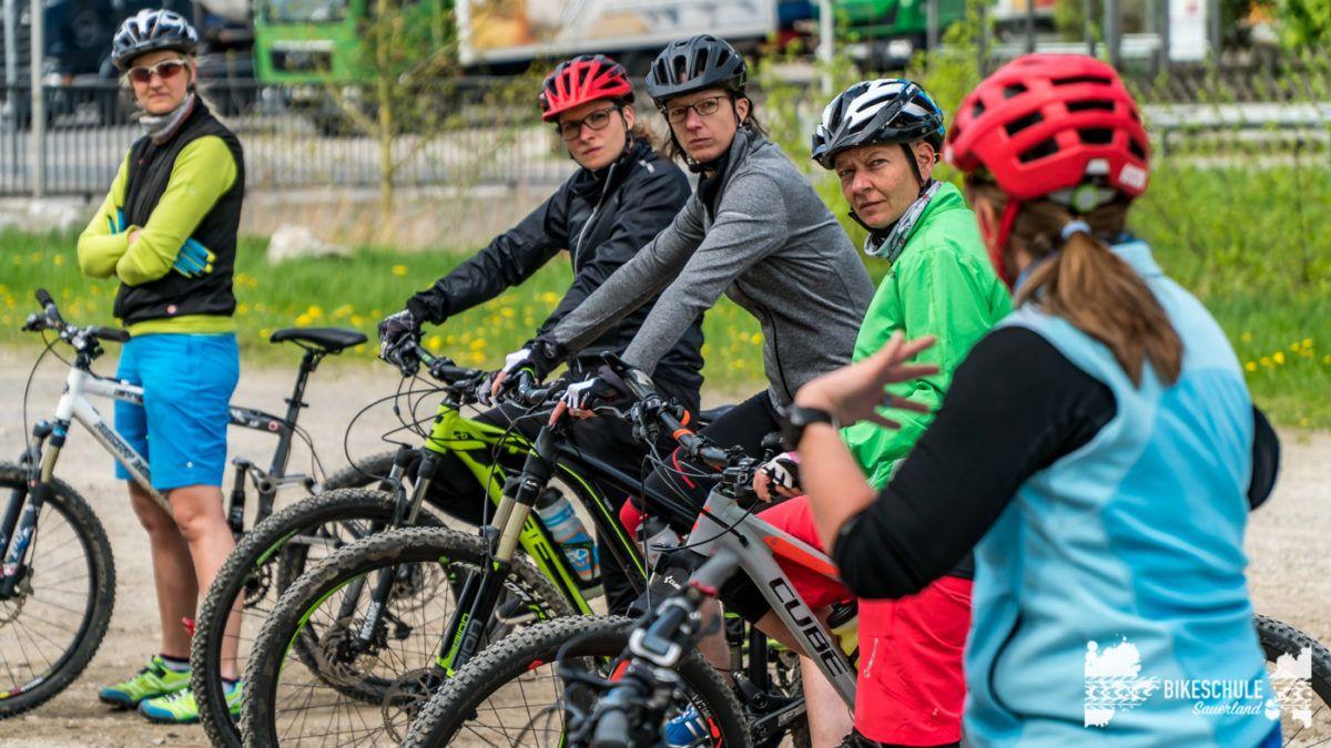 bikecamp-ladies-only-bikeschule-sauerland-fahrtechnik-042018-13