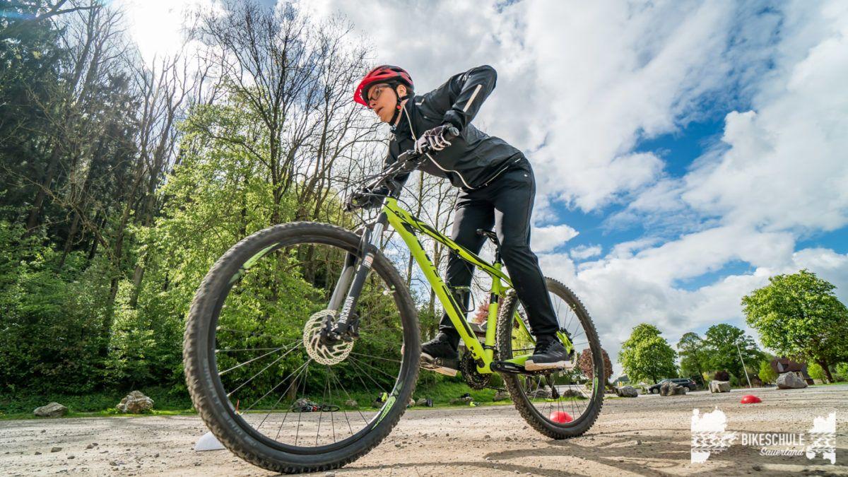 bikecamp-ladies-only-bikeschule-sauerland-fahrtechnik-042018-131
