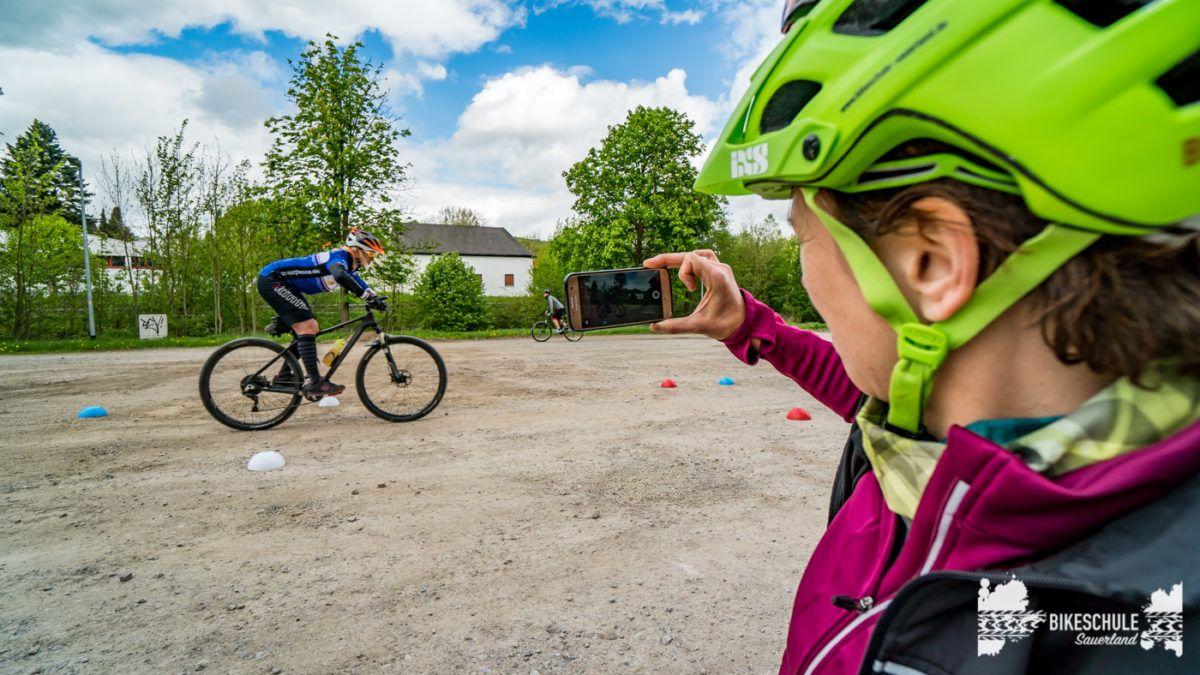 bikecamp-ladies-only-bikeschule-sauerland-fahrtechnik-042018-135