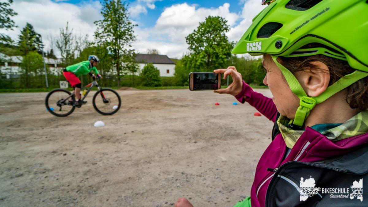 bikecamp-ladies-only-bikeschule-sauerland-fahrtechnik-042018-136