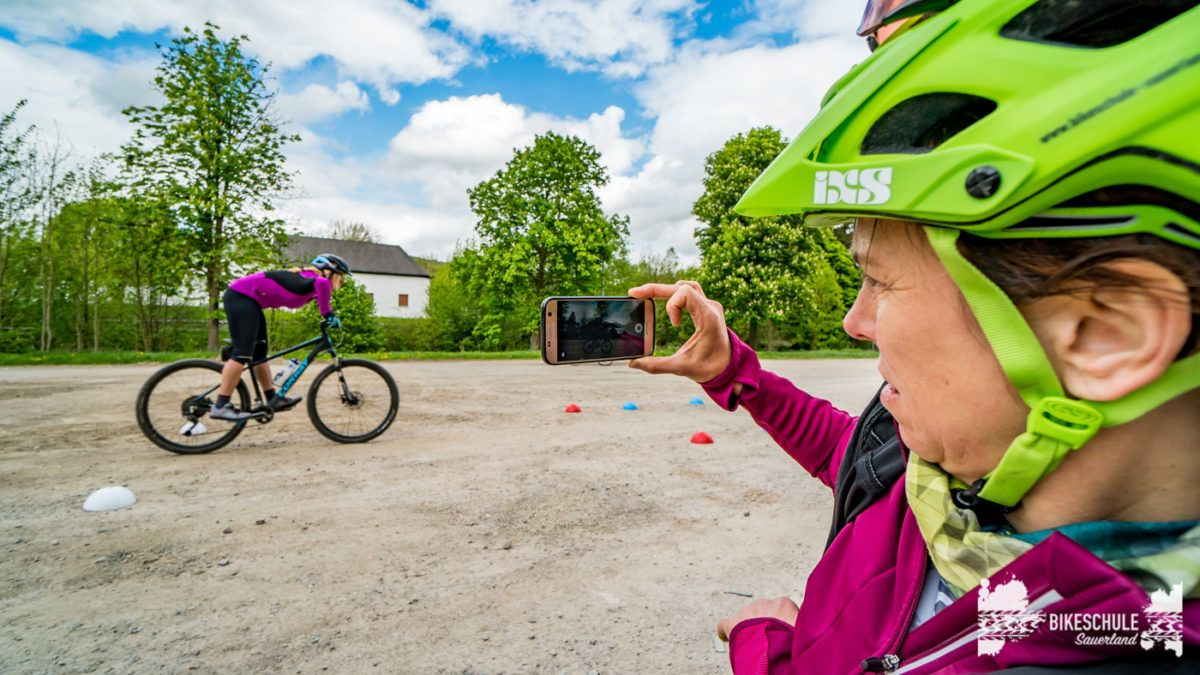bikecamp-ladies-only-bikeschule-sauerland-fahrtechnik-042018-138