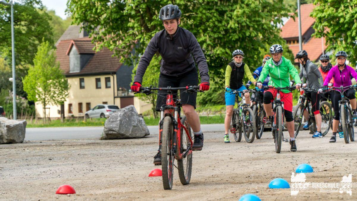 bikecamp-ladies-only-bikeschule-sauerland-fahrtechnik-042018-14