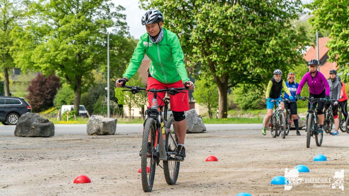 bikecamp-ladies-only-bikeschule-sauerland-fahrtechnik-042018-15