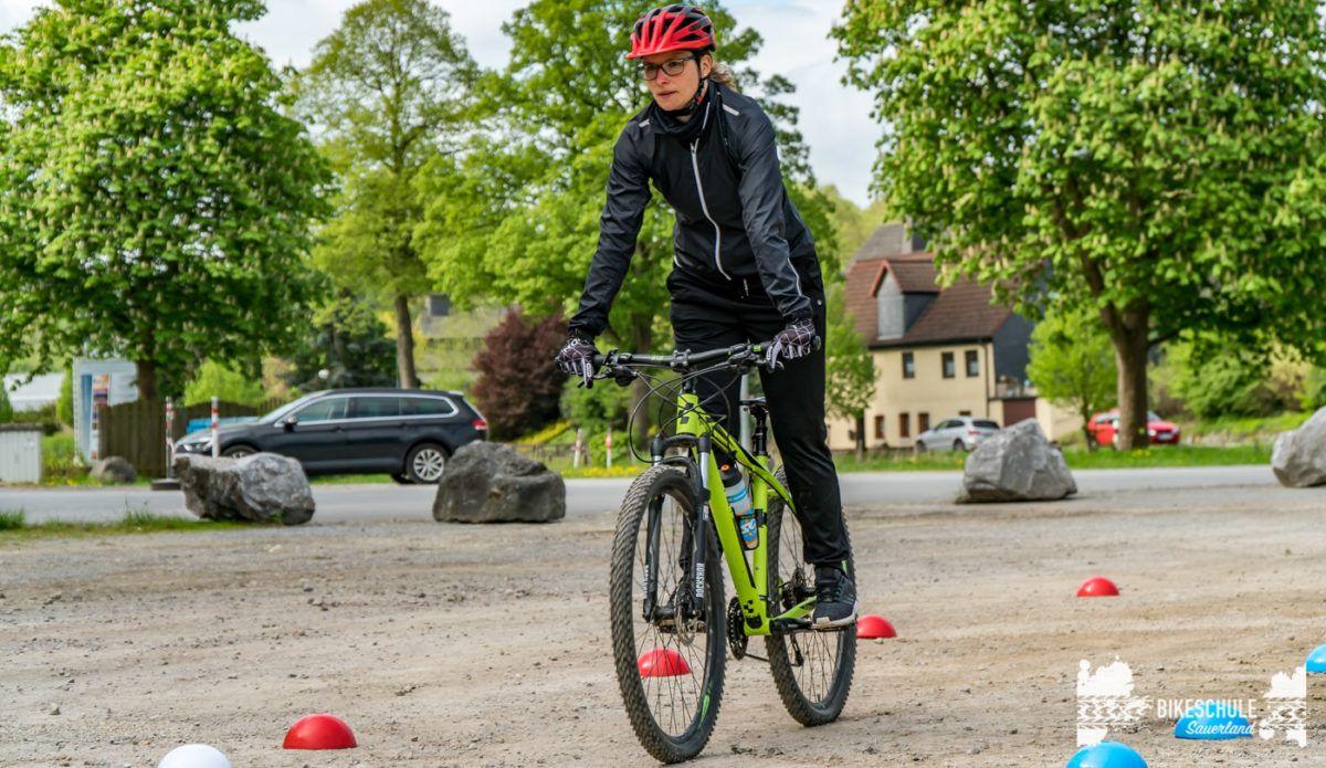 bikecamp-ladies-only-bikeschule-sauerland-fahrtechnik-042018-17