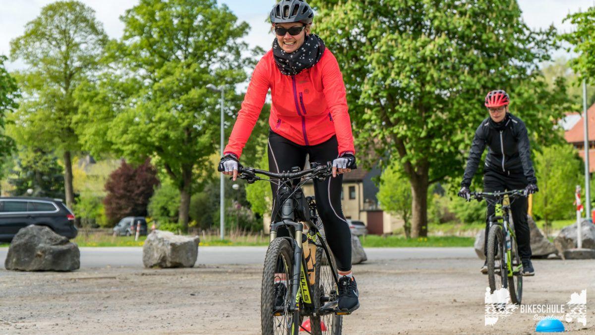 bikecamp-ladies-only-bikeschule-sauerland-fahrtechnik-042018-18