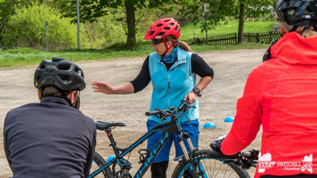 bikecamp-ladies-only-bikeschule-sauerland-fahrtechnik-042018-2