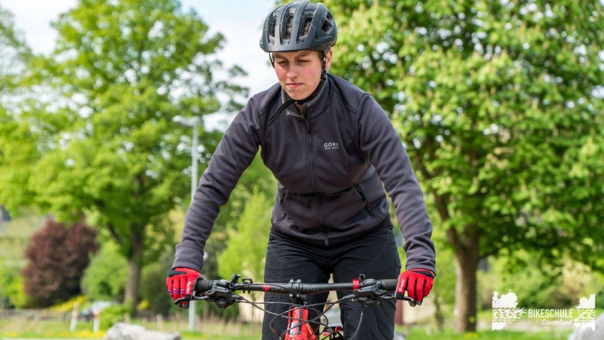 bikecamp-ladies-only-bikeschule-sauerland-fahrtechnik-042018-24