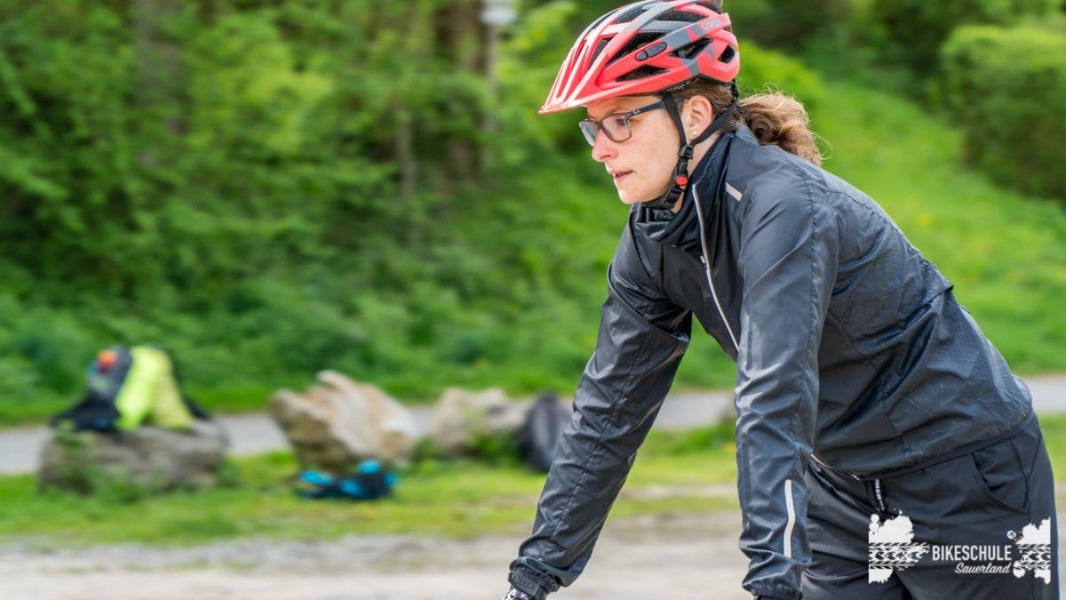 bikecamp-ladies-only-bikeschule-sauerland-fahrtechnik-042018-26