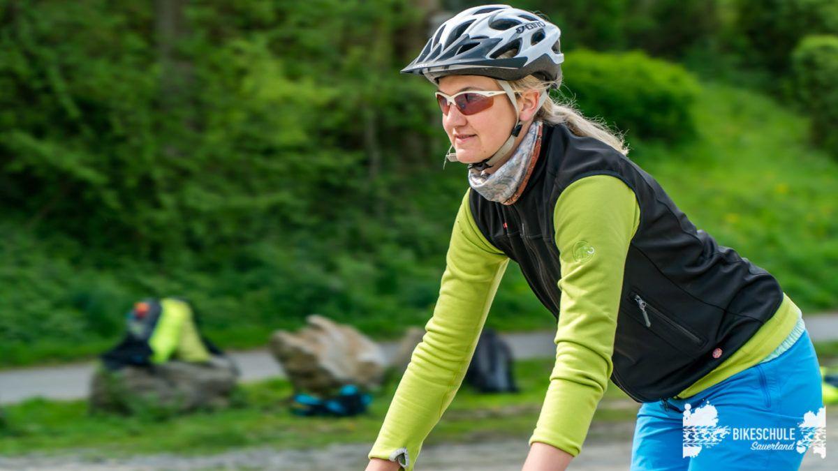 bikecamp-ladies-only-bikeschule-sauerland-fahrtechnik-042018-29