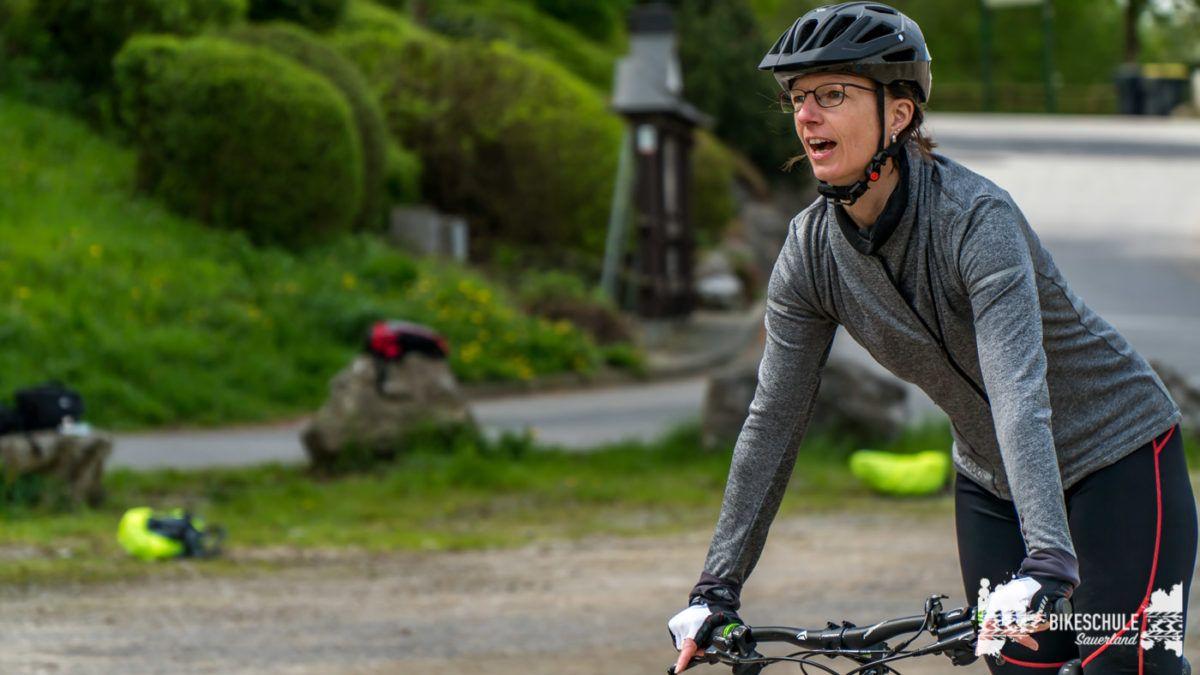 bikecamp-ladies-only-bikeschule-sauerland-fahrtechnik-042018-30